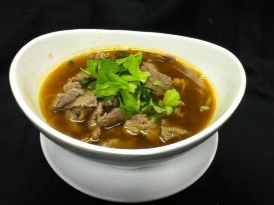 Thai Place: beef noodle soup