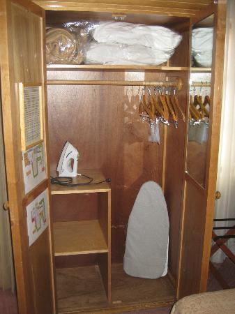 Meson de Jobito: closet