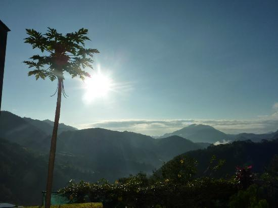 Banaue Hotel and Youth Hostel: Sunrise
