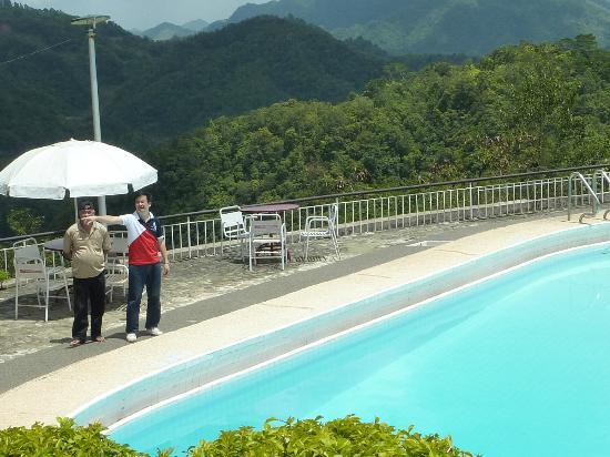 Banaue Hotel and Youth Hostel: Pool area