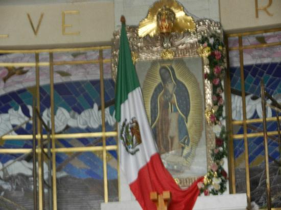 Monumento a Cristo Rey: Virgen de Guadalupe