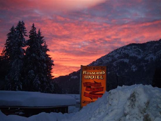 Rossland Motel Sunset