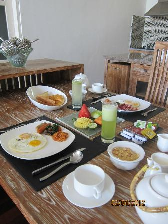 The Seiryu Villas: Breakfast spread