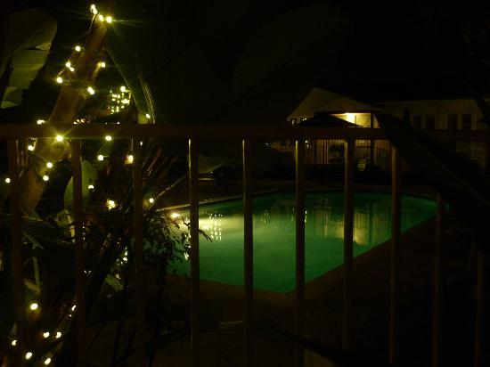 Old Town Inn : Pool view at night