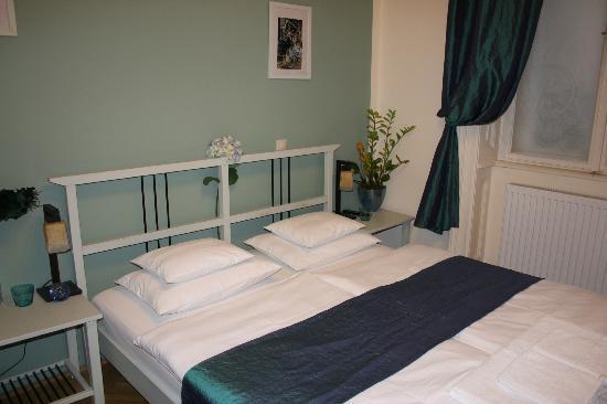 Budapest Rooms: la cama