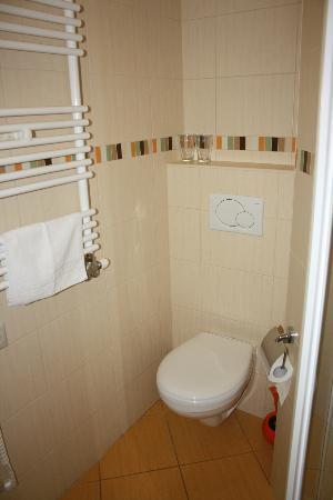 Budapest Rooms: el baño