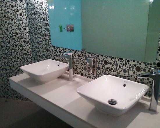 Riviera Beachotel: public wc