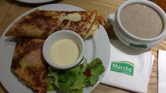 Marche Movenpick VivoCity: Chicken Crepe