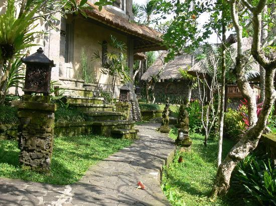 Taman Sakti: cottages
