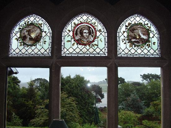 Yeoldon House Hotel: Victorian Window`s