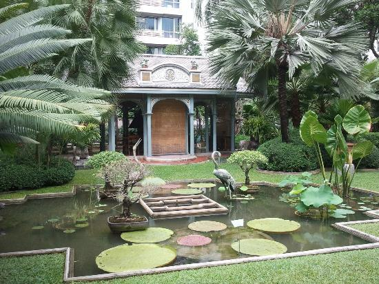 Babylon Bangkok: Private large garden