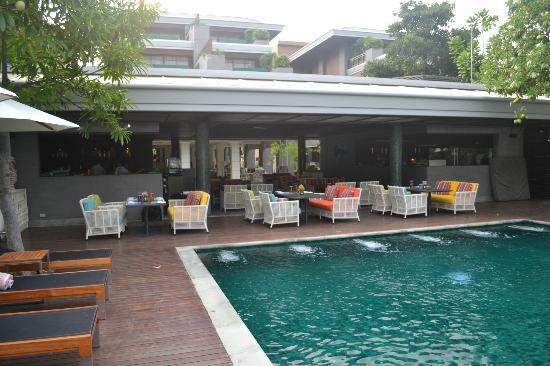 Rest Detail Hotel Hua Hin: Poolside restaurant (lunch and dinner dining)