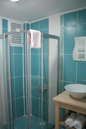 A'la House: Bathroom