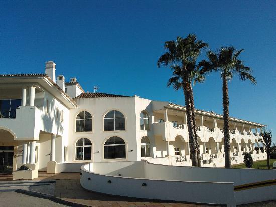 Colina Verde Aparthotel & Golf: outside