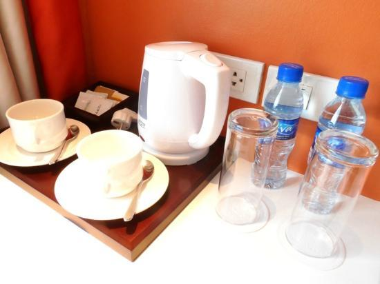The Bayleaf Intramuros: Complimentary bottled water and coffee