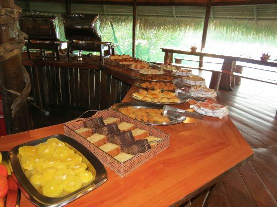 Juma Amazon Lodge : Breakfast buffet