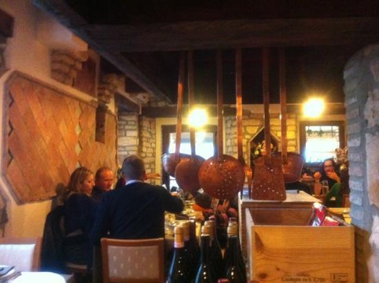 Sassoferrato, Italy: la sala