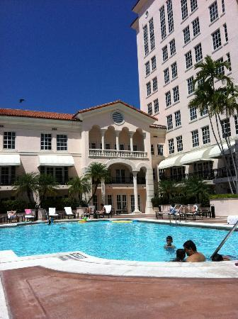Hyatt Regency Coral Gables: Pool is small and shallow but heated