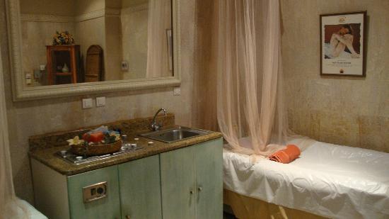 Thermae Sylla Spa & Wellness Hotel: Interior of Cleopatra's Bath