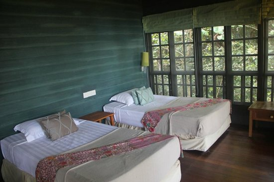 Permai Rainforest Resort: Treehouse 4: Twin beds, wider than the standard single bed, and very comfortable!