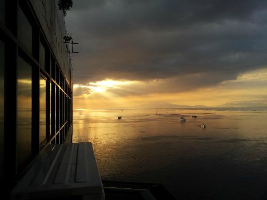 Baywatch Tower Manila: great sunset just right