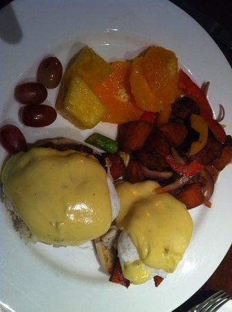 Tommy Bahama's Restaurant & Bar: eggs