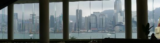 Lobby Lounge (InterContinental Hong Kong): Veiw of Victoria Harbour to Lobby Lounge