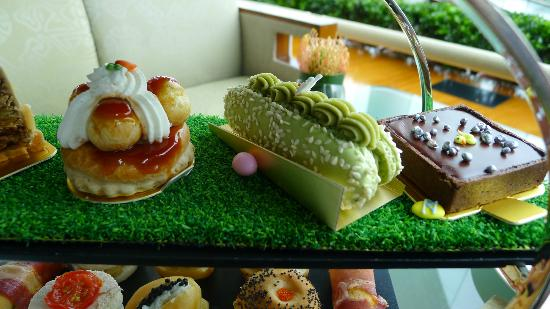 Lobby Lounge (InterContinental Hong Kong): Sweet selections in the Afternoon Tea 2