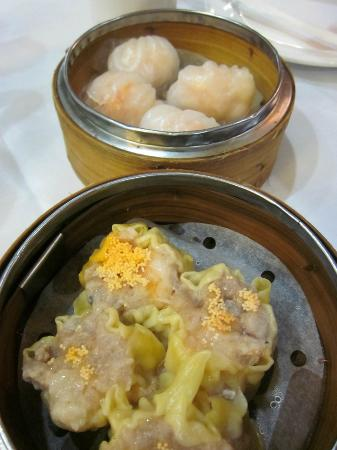 Grand Harmony Restaurant: The food; looks good - but low quality meat!