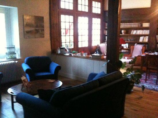 La Belle Saison: Livingroom