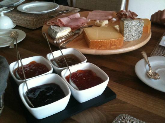 La Belle Saison: excellent breakfast