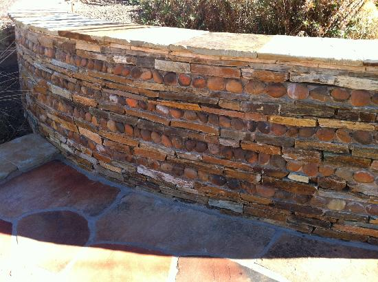 Xeriscape Garden: Meshed Rock/Stone Wall