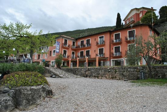 Hotel Residence Sirenella: Vista dalla spiaggia