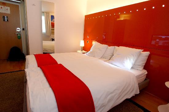 Design Hotel F6: Superior Twin Room