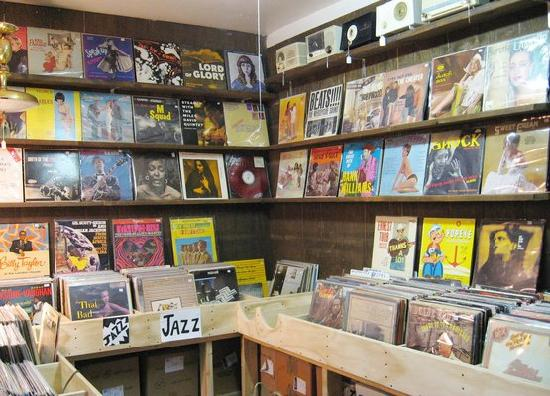 Mystery Spot Antiques: Our record room
