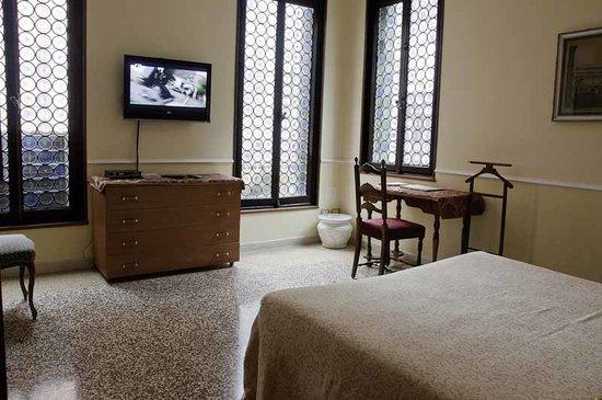 Alla Fenice: master room2