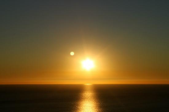 El Mirador del Castillo: Sunset from the room.