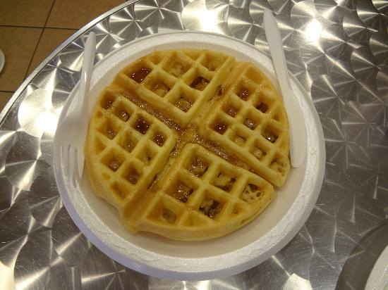 BLVD Hotel: Make your own waffle