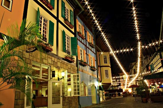 Bukit Tinggi, Malasia: Mesmerizing night view