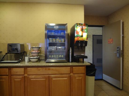 BLVD Hotel: Freezer with yogurt, butter & boiled egg