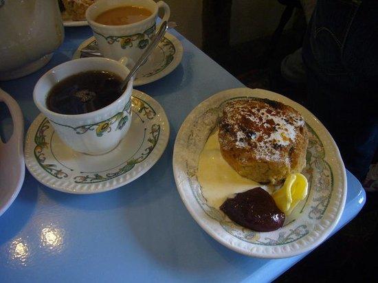 Sweetmeats Tea Rooms: Cream Tea