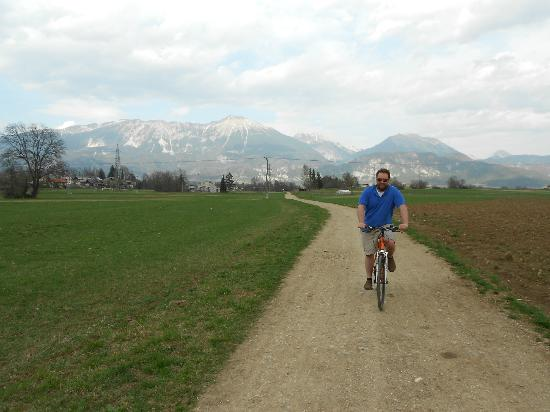 Alp Penzion: Biking behind the penzion