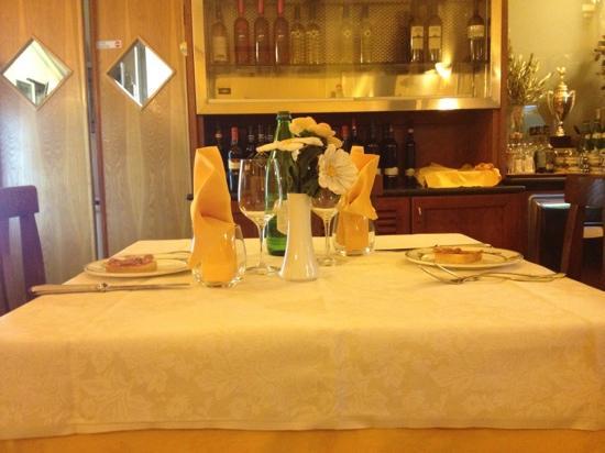 Hotel Campiglione: tavola preparata