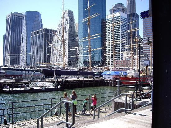 Le Greeter Pier 17 Near Ground Zero And Wall Street Has Some Great Restaurants