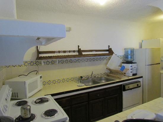 Hotel Palacio de Dona Beatriz : Kitchen