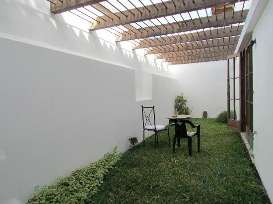 Hotel Palacio de Dona Beatriz: Patio adjacent to Dining room