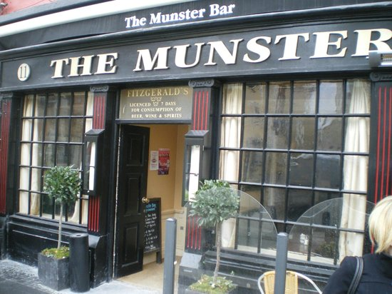 The Munster: The Entrance