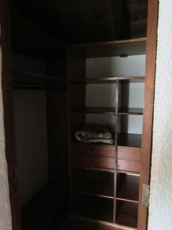 Hotel Palacio de Dona Beatriz: Upstairs closet