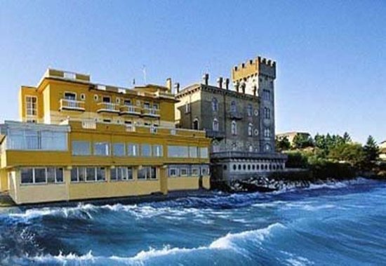 Photo of Estee Hotel Desenzano Del Garda