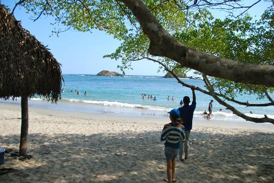 La Playita Resort: Beach Area